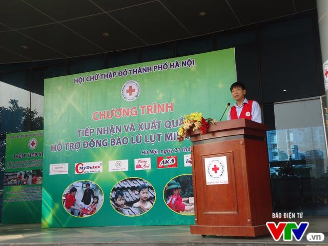 Gần 1 tỷ đồng quyên góp, Hà Nội xuất quân hỗ trợ đồng bào lũ lụt miền Trung - Ảnh 2.