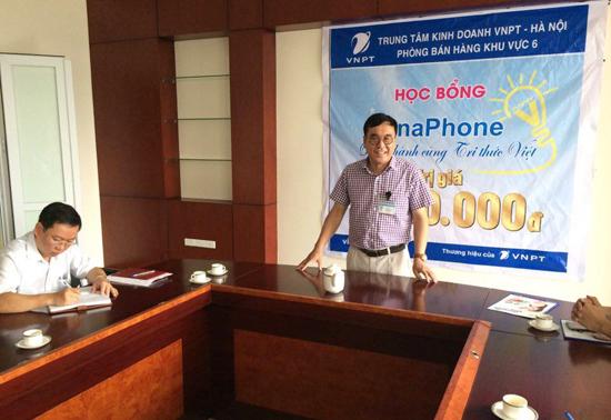 """Sinh viên trường Cao đẳng Truyền hình nhận học bổng """"Vinaphone - Đồng hành cùng tri thức Việt"""" - Ảnh 2."""