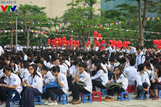 Bộ GD&ĐT nói gì về thí điểm dạy tiếng Nga, Trung Quốc? - Ảnh 1.