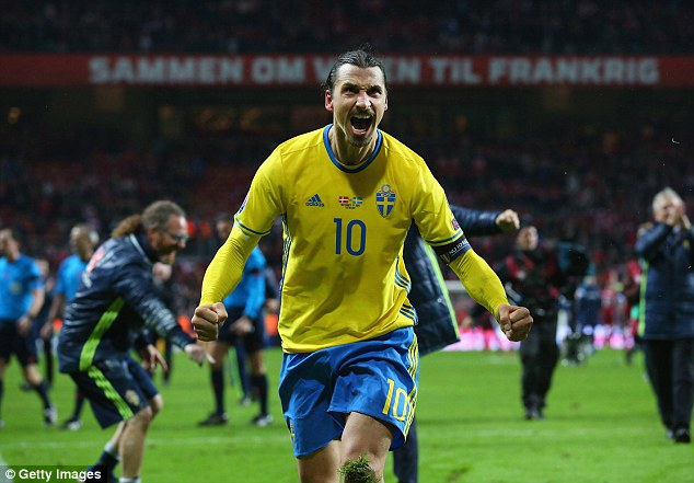 Nhận lời chúc từ Ibrahimovic, ĐT Thụy Điển tự tin - Ảnh 1.