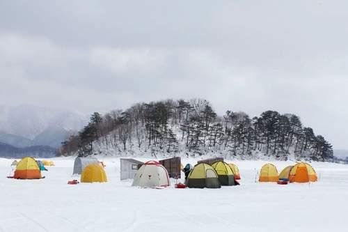 Câu cá trên băng hồ Haibara ở Nhật Bản - Ảnh 10.