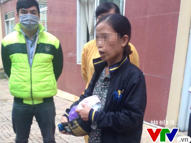 Hà Nội: Người đàn ông rơi từ tòa nhà bệnh viện cao 9 tầng tử vong - Ảnh 2.