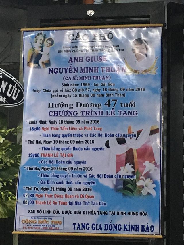 Rơi nước mắt với những hình ảnh trong lễ tang Minh Thuận - Ảnh 1.