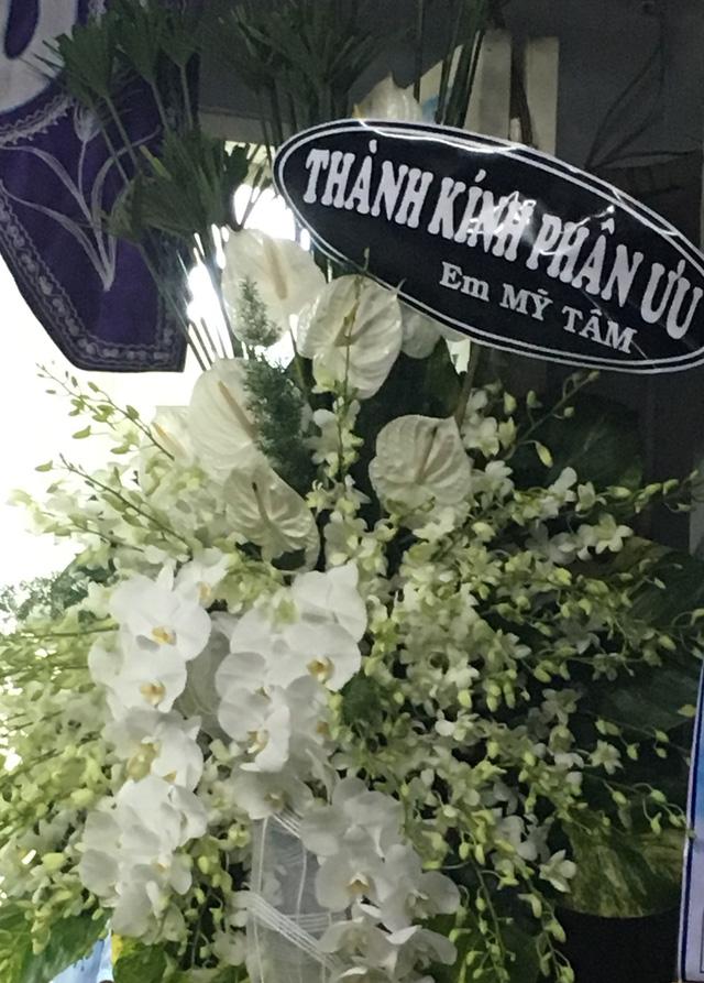 Rơi nước mắt với những hình ảnh trong lễ tang Minh Thuận - Ảnh 11.