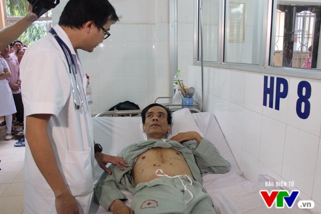 Nam bệnh nhân bị đâm xuyên tim được xuất viện - Ảnh 2.