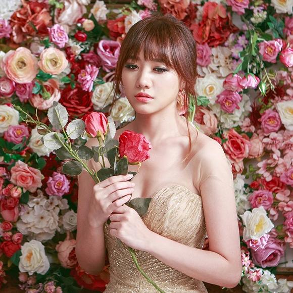 Ngắm bộ ảnh Hari Won mặc váy cưới trong MV Yêu không hối hận - Ảnh 2.