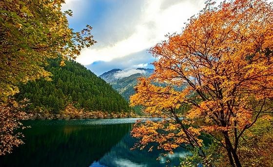 10 điểm ngắm mùa thu rực rỡ ở Trung Quốc - Ảnh 6.