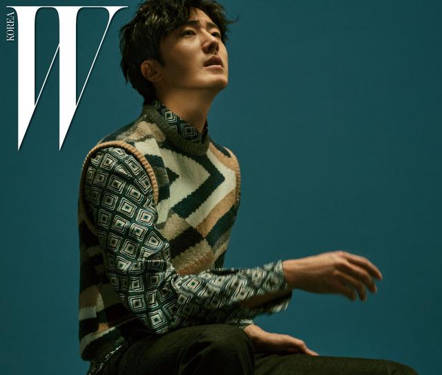 Mỹ nam Jung Il Woo mơ màng trên bìa tạp chí W - Ảnh 4.