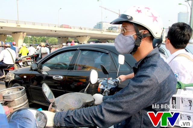 Giải pháp nào hạn chế tình trạng ô nhiễm không khí tại Hà Nội? - Ảnh 2.