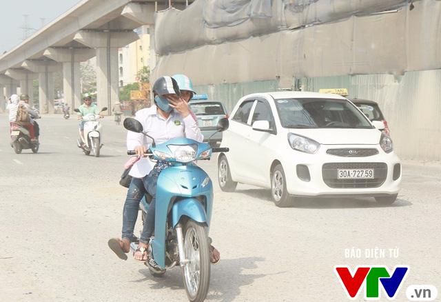 Giải pháp nào hạn chế tình trạng ô nhiễm không khí tại Hà Nội? - Ảnh 1.