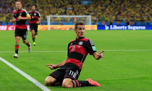 Vua phá lưới World Cup Miroslav Klose chính thức giải nghệ - Ảnh 1.