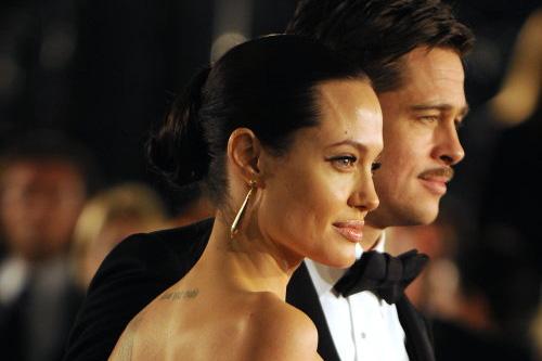Angelina Jolie đang điều trị tâm lý với các con - Ảnh 1.