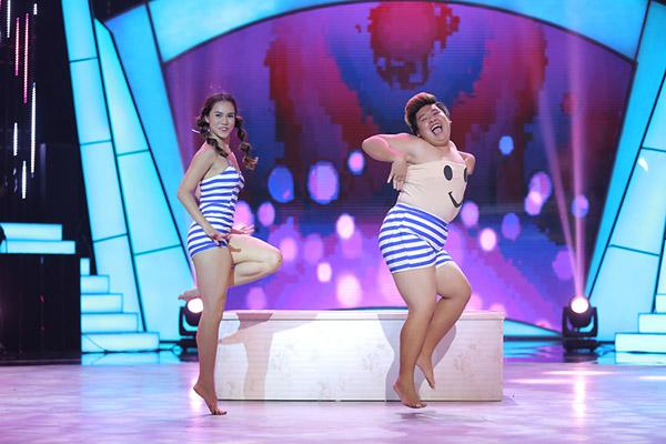Đây là cách thí sinh Bước nhảy ngàn cân làm khán giả ngỡ ngàng khi nhảy với... bồn tắm - Ảnh 1.