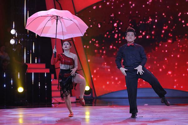 Đây là cách thí sinh Bước nhảy ngàn cân làm khán giả ngỡ ngàng khi nhảy với... bồn tắm - Ảnh 5.