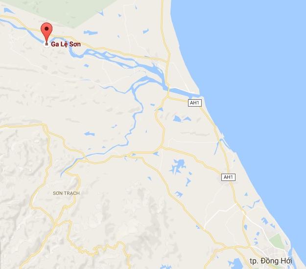 Quảng Bình: Các đoàn tàu nằm dọc đường đã về ga - Ảnh 2.