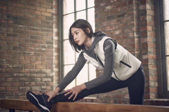 Lee Min Ho tình tứ bên người khác, Suzy lẻ loi một mình - Ảnh 2.