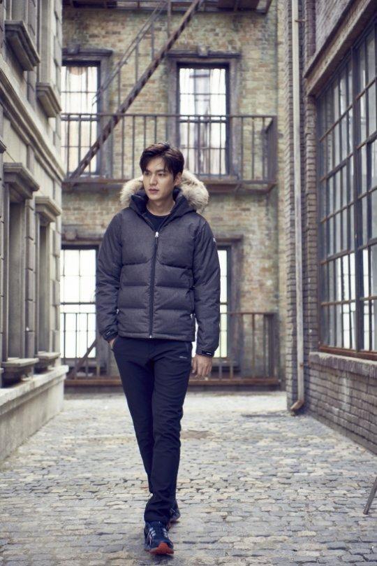 Lee Min Ho tình tứ bên người khác, Suzy lẻ loi một mình - Ảnh 4.