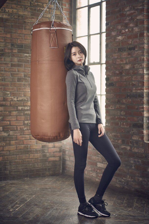 Lee Min Ho tình tứ bên người khác, Suzy lẻ loi một mình - Ảnh 6.