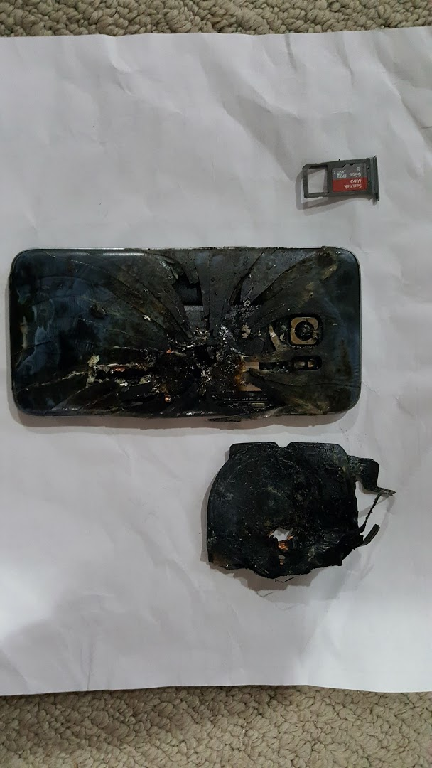 Galaxy S7 edge tiếp tục bốc hỏa tại Canada - Ảnh 1.