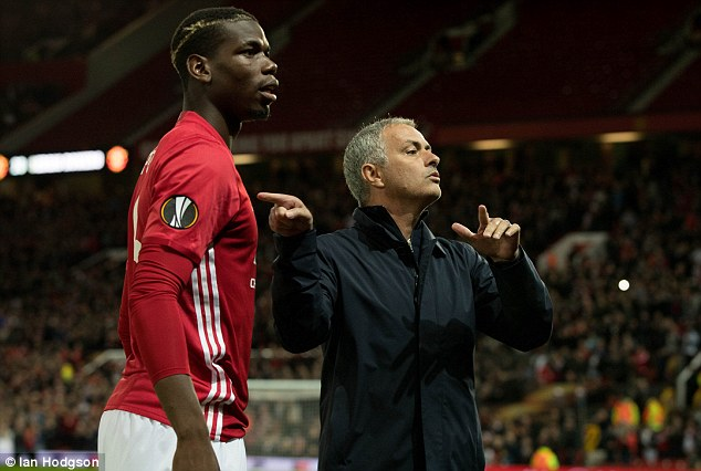 Jose Mourinho nài nỉ: Hãy cho Pogba thời gian! - Ảnh 1.
