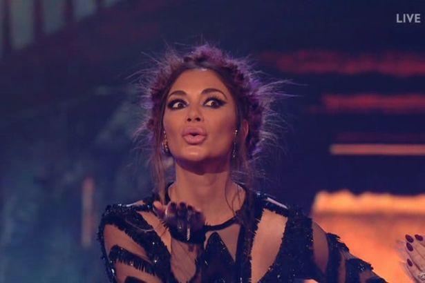 Tử thần ghé thăm The X-Factor, giám khảo sợ hãi bật dậy khỏi ghế nóng - Ảnh 4.