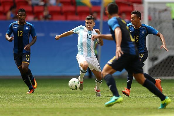Argentina đã không thể giành quyền vào tứ kết