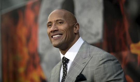The Rock đánh bại sao phim Người sắt về việc kiếm tiền - Ảnh 1.