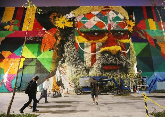 Nghệ sĩ lập kỷ lục vẽ tranh tường ăn mừng thế vận hội Olympic - Ảnh 1.