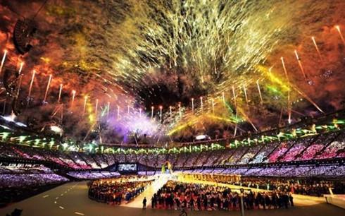 Thể thao 24h: Lễ khai mạc Olympic Rio 2016 ngập trong sắc màu - Ảnh 1.