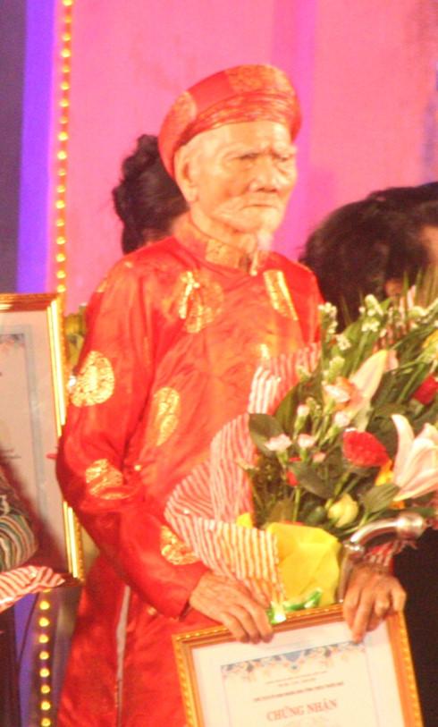 Nghệ nhân Nhã nhạc cuối cùng triều Nguyễn qua đời ở tuổi 106 - Ảnh 1.