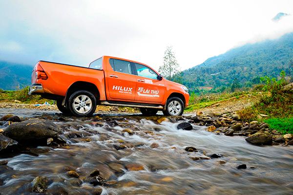 Toyota Hilux 2017 sắp ra mắt tại Việt Nam - Ảnh 1.