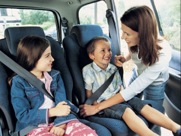 Thắt dây an toàn khi lái xe để giảm tử vong - Ảnh 1.