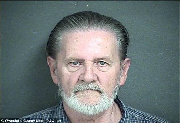 Mỹ: Cướp ngân hàng để được vào tù trốn vợ - Ảnh 2.
