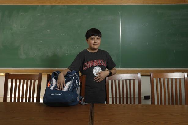 Cậu bé 12 tuổi trở thành sinh viên đại học trẻ tuổi nhất - Ảnh 1.