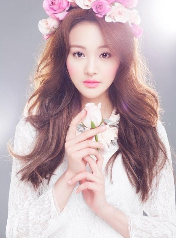 Song Hye Kyo dẫn đầu Top 10 Nữ thần làng giải trí châu Á - Ảnh 2.
