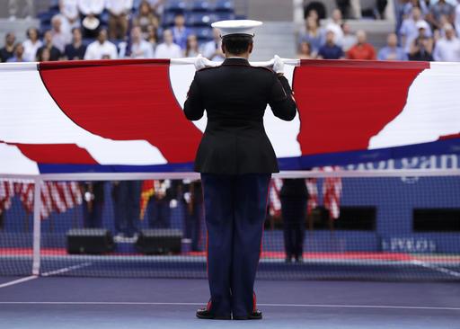 Nhìn lại chiến thắng ngọt ngào của Wawrinka trước Djokovic - Ảnh 1.