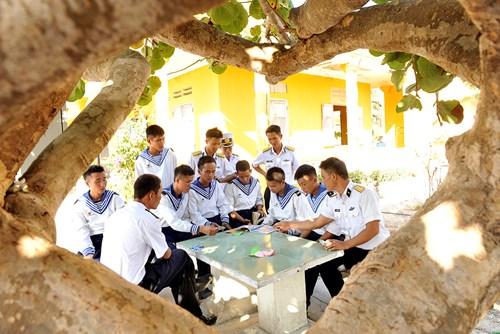 Thanh niên, sinh viên Việt ở nước ngoài có cơ hội ra thăm Trường Sa - Ảnh 1.