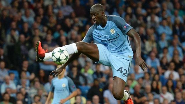 Guardiola làm căng với Yaya Toure: Xin lỗi hoặc nghỉ thi đấu - Ảnh 1.