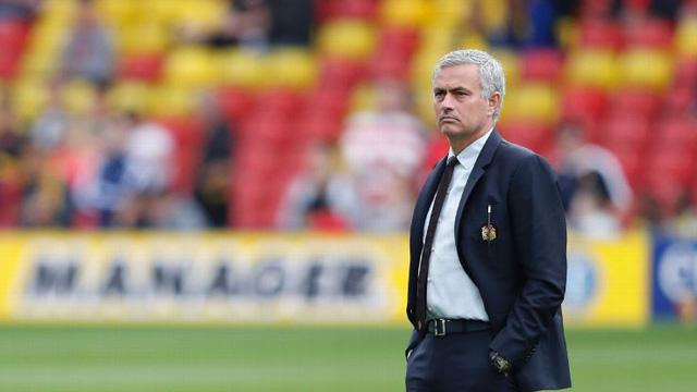"""""""Mourinho phải dừng việc lôi học trò làm bia đỡ đạn"""" - Ảnh 1."""