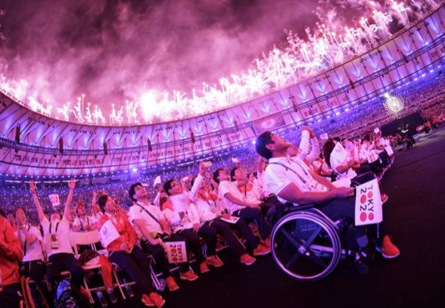 Những khoảnh khắc đắt giá nhất của Paralympic Rio 2016 - Ảnh 1.