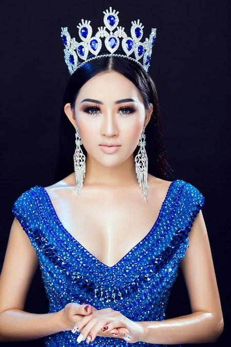 Hoa hậu Huỳnh Thuý Anh tái xuất sau thời gian du học - Ảnh 1.