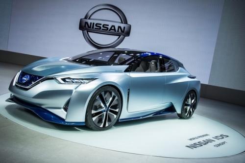 Microsoft và Nissan hợp tác biến xe hơi thành máy tính - Ảnh 1.