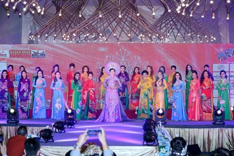 Người đẹp Kim Thoa đăng quang Hoa hậu Doanh nhân thế giới người Việt - Ảnh 1.