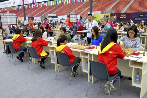 Tuyển cờ vua nữ Việt Nam gây ấn tượng ở giải Olympiad  - Ảnh 1.