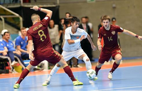 Futsal Việt Nam chào World Cup: Ngẩng cao đầu đưa lịch sử sang trang - Ảnh 1.