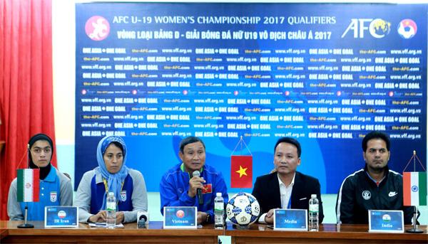 HLV Mai Đức Chung: U19 nữ Việt Nam phấn đấu giành thành tích cao nhất - Ảnh 1.