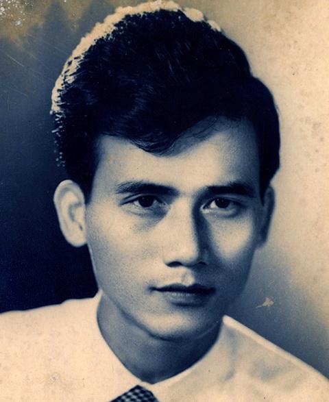 Ảnh hiếm của NSƯT Phạm Bằng trên sân khấu kịch hơn 40 năm trước - Ảnh 1.