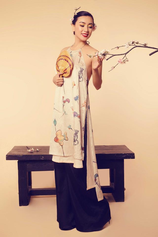 Nữ hoàng ảnh lịch Y Phụng đài các với váy yếm cách điệu - Ảnh 10.