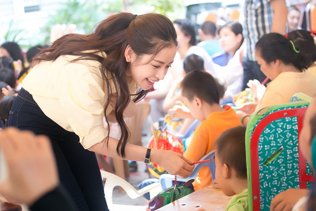 Chi Pu đón Trung thu cùng 150 trẻ khuyết tật - Ảnh 11.