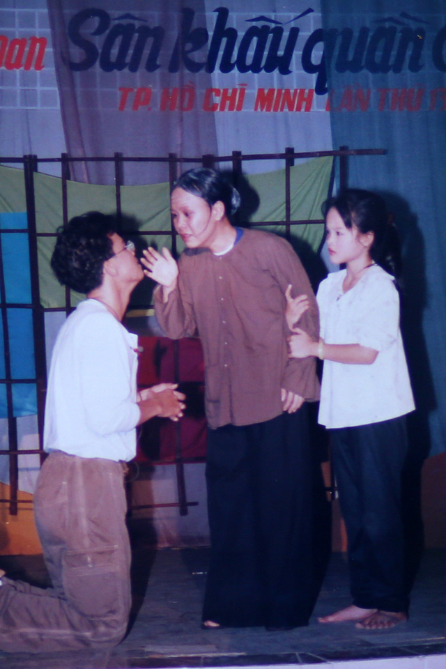 """Ngắm loạt ảnh """"một thời tuổi trẻ"""" của Việt Hương - Ảnh 12."""
